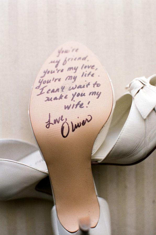 sapato de noiva com mensagem
