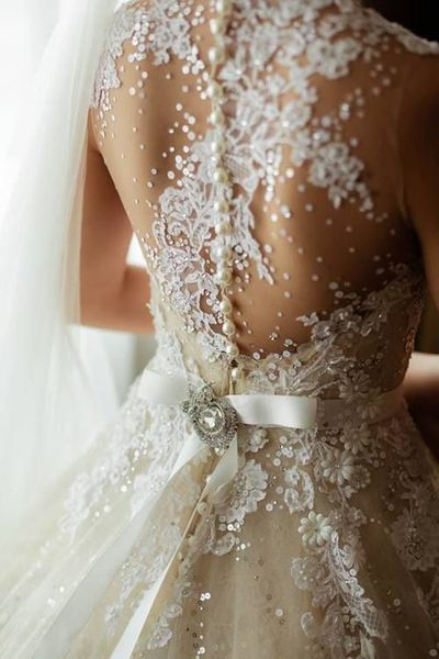 Valuz Reyes wedding dress by collin cowieweddings
