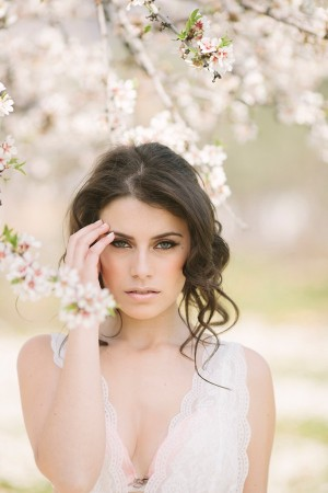 Pink-Alomond-blossom-Wedding-Ideas-from-Momento-Cautivo_0013