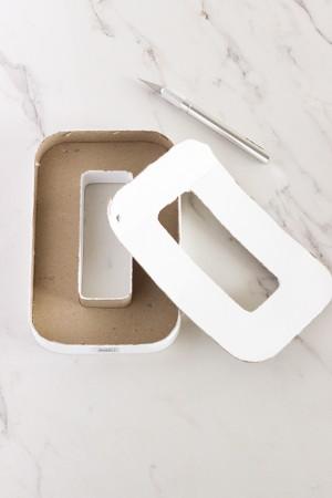 diy-paper-mache-floral-letter-centerpiece-1